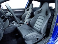 Driver's seat of the 2008 Volkswagen R32