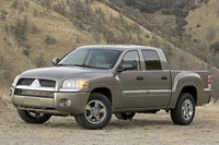 Picture of 2006 Mitsubishi Raider