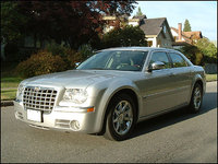 2005 Chrysler 300 Picture Gallery