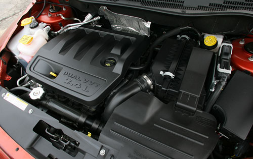 2007 Dodge Caliber SE, Under the hood of the 2007 Dodge CAliber R/T