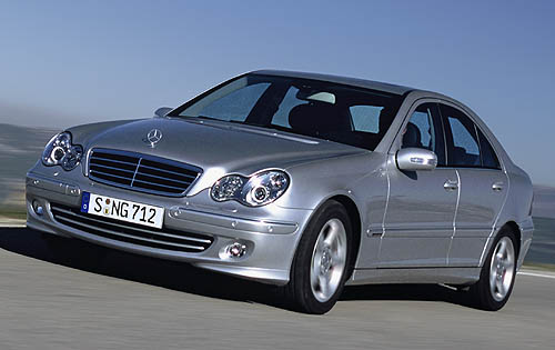 Front-quarter view of the 2007 Mercedes-Benz C350.