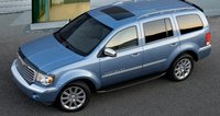 The 2007 Chrysler Aspen, exterior, manufacturer