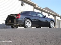 2005 Chrysler 300 SRT8 RWD, 2005 Chrysler SRT Low Right Rear View, gallery_worthy