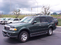 2000 Lincoln Navigator Overview