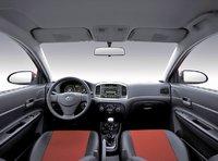 2006 Hyundai Accent Interior