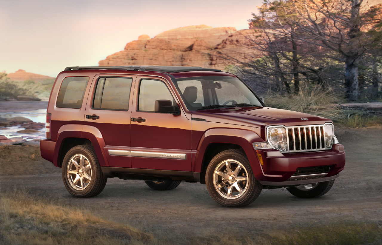 Front-quarter photo of the 2008 Jeep Liberty, outdoor, exterior