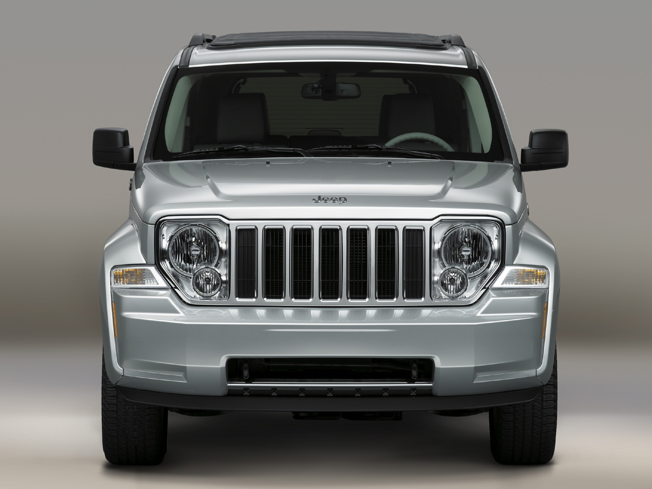 Head-on view of the 2008 Jeep Liberty
