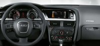 The dashboard of the 2008 Audi A5, interior, manufacturer, gallery_worthy