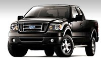 2007 Ford F-150 FX4, Front Corner View