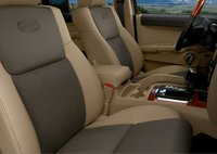 2007 Jeep Commander, front seats, interior, manufacturer