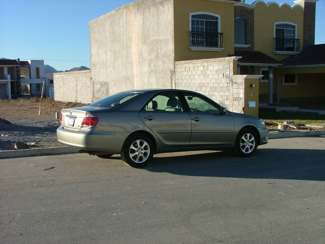 2006 Toyota Camry, Our XLE parked in a new home-area., exterior, gallery_worthy
