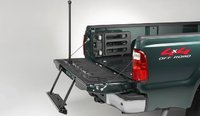 2008 Ford F-450 Super Duty, Integrated tailgate step, exterior, manufacturer