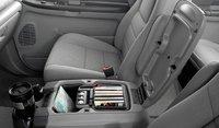 2007 Ford F-350 Super Duty, center console, interior, manufacturer