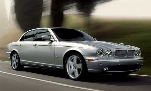 2007 Jaguar XJ-Series XJR, Front Right Side View, manufacturer, exterior