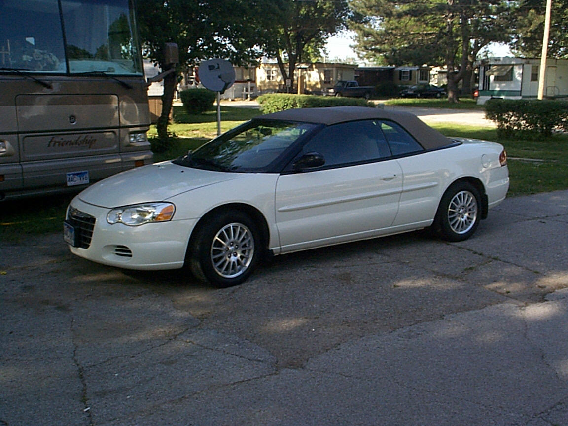 picture of 2004 chrysler sebring base convertible. Cars Review. Best American Auto & Cars Review
