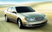 2004 Infiniti I35 Overview
