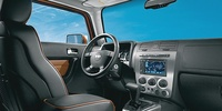 2008 Hummer H3, Front Seat