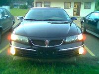 2005 Pontiac Bonneville, Front view