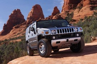 2008 Hummer H2, front three quarter