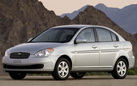 2008 Hyundai Accent, front three quarter, exterior
