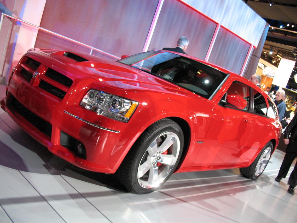 2008 dodge magnum srt8 side exterior
