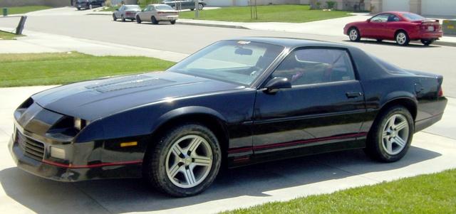 Picture of 1990 Chevrolet Camaro IROC Z