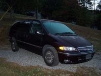 Picture of 1997 Chrysler Town & Country LX, exterior