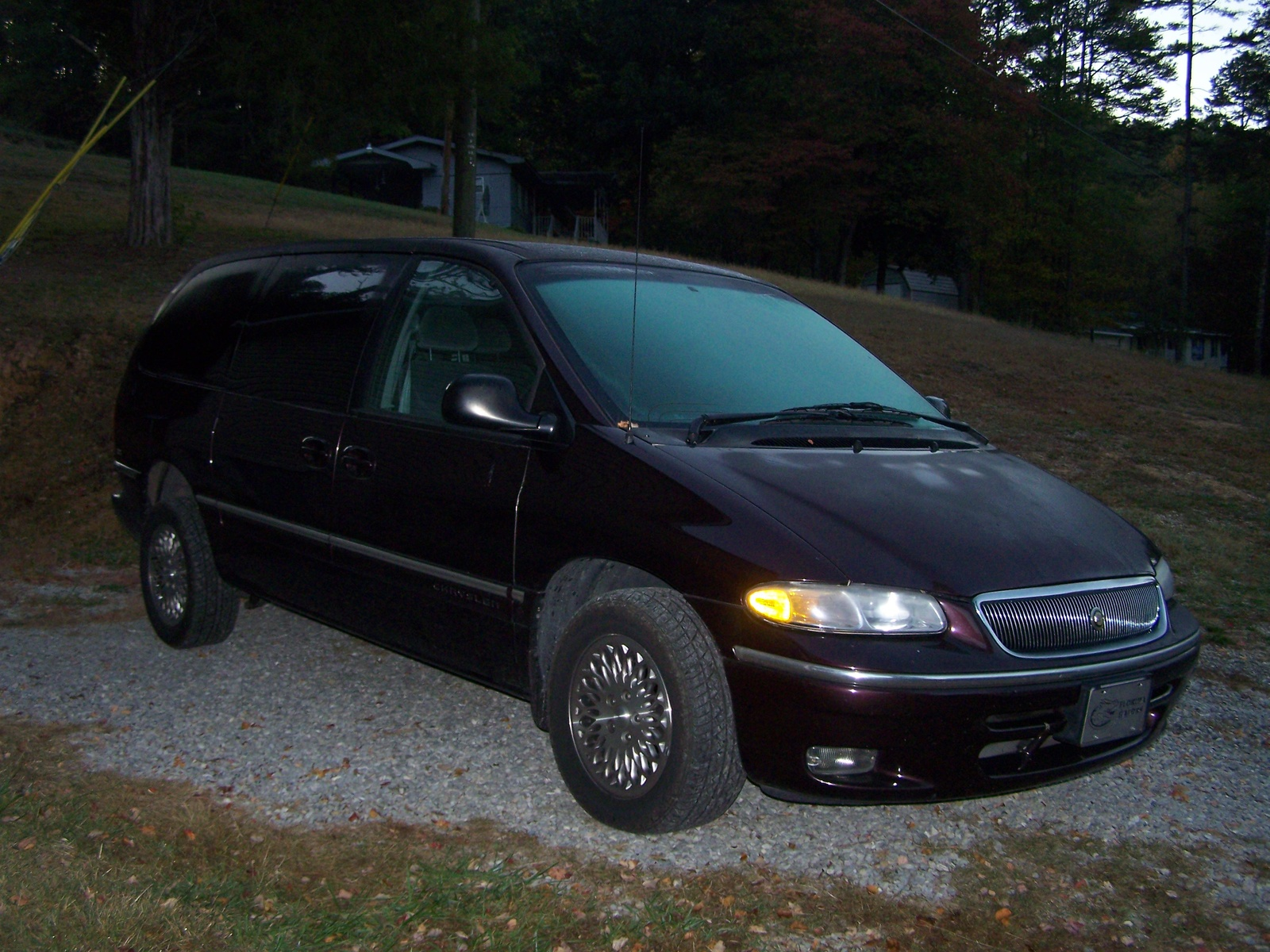Picture of 1997 Chrysler Town & Country 4 Dr LX Passenger Van Extended