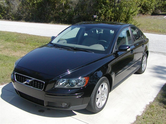 2004 volvo s40 overview cargurus. Black Bedroom Furniture Sets. Home Design Ideas