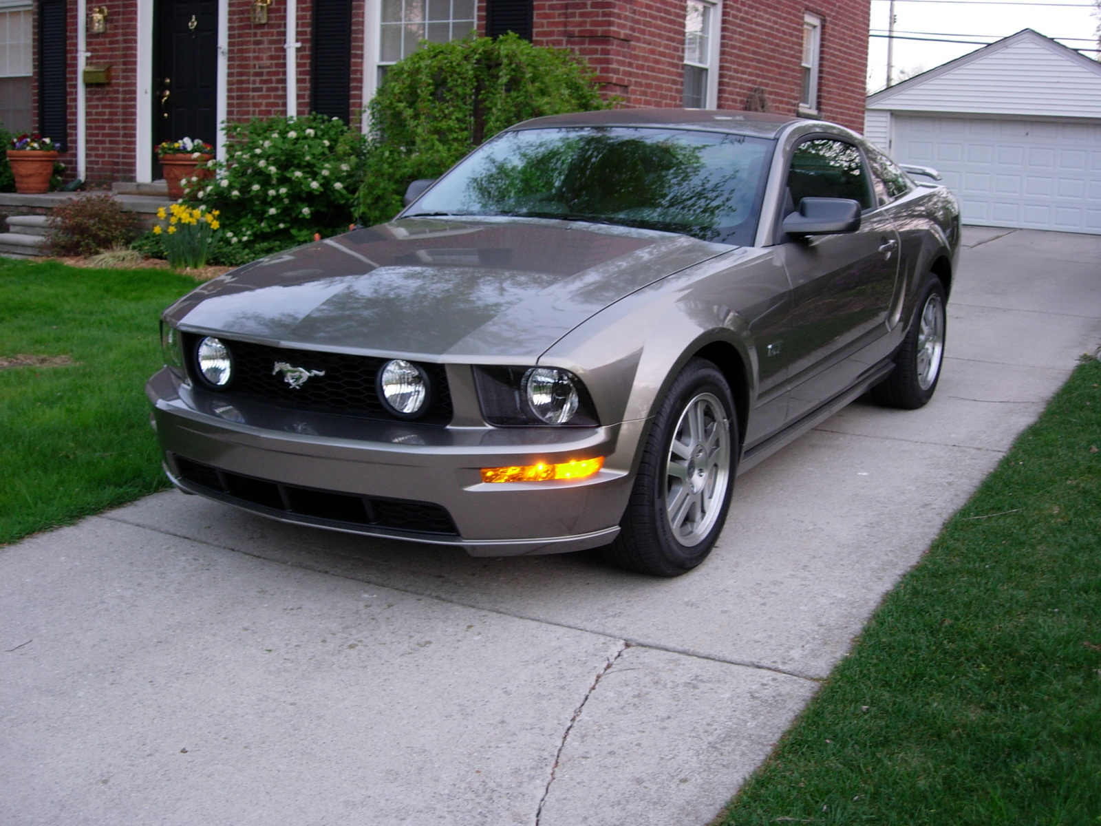 2006 ford mustang gt premium car wallpaper. Black Bedroom Furniture Sets. Home Design Ideas