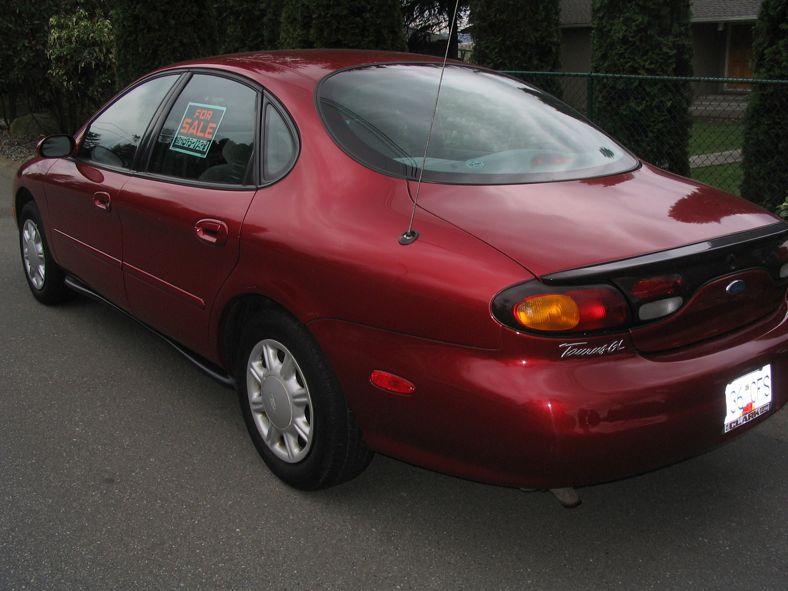 1998 ford taurus se the image kid has it. Black Bedroom Furniture Sets. Home Design Ideas
