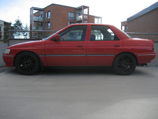 1994 Ford Escort Sedan - Prices & Reviews - Autotradercom