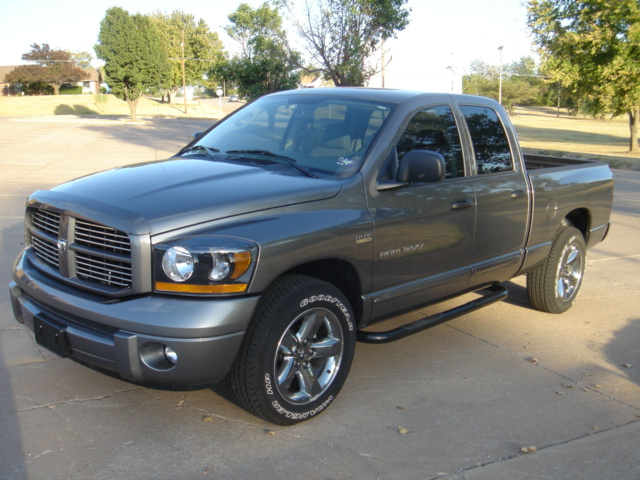picture of 2006 dodge ram pickup 1500 laramie quad cab lb 4wd. Black Bedroom Furniture Sets. Home Design Ideas