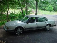 Picture of 1990 Oldsmobile Eighty-Eight Royale 4 Dr STD Sedan