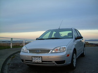2005 Ford Focus ZX4 S picture