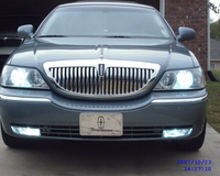 2005 Lincoln Town Car Signature L picture