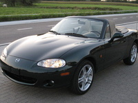 2005 Mazda MX-5 Miata Overview