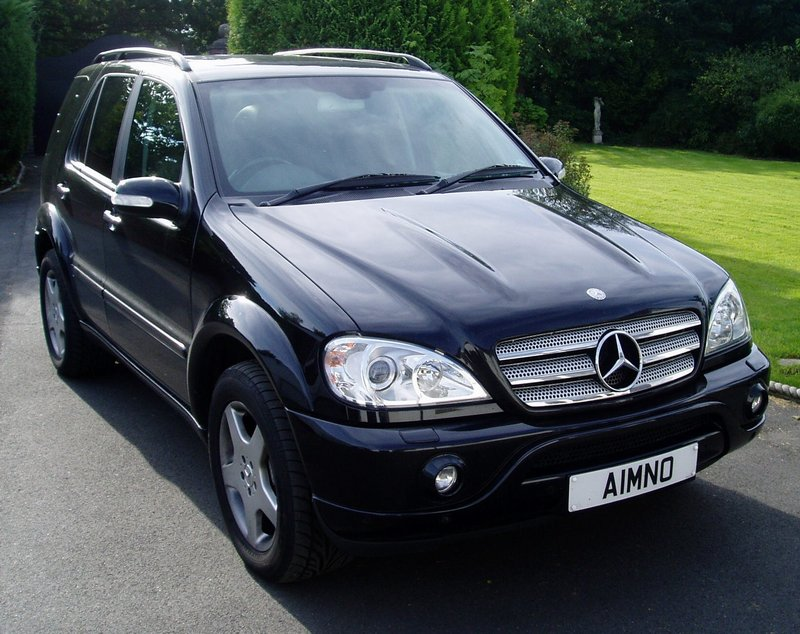 Official state car for 2003 mercedes benz suv
