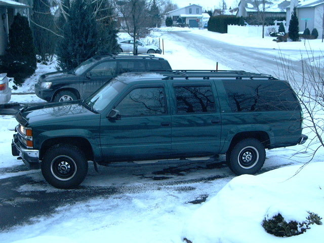 Picture of 1995 Chevrolet Suburban K2500 4WD, gallery_worthy