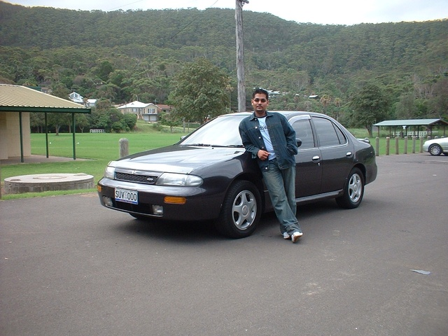 Picture of 1996 Nissan Altima GLE