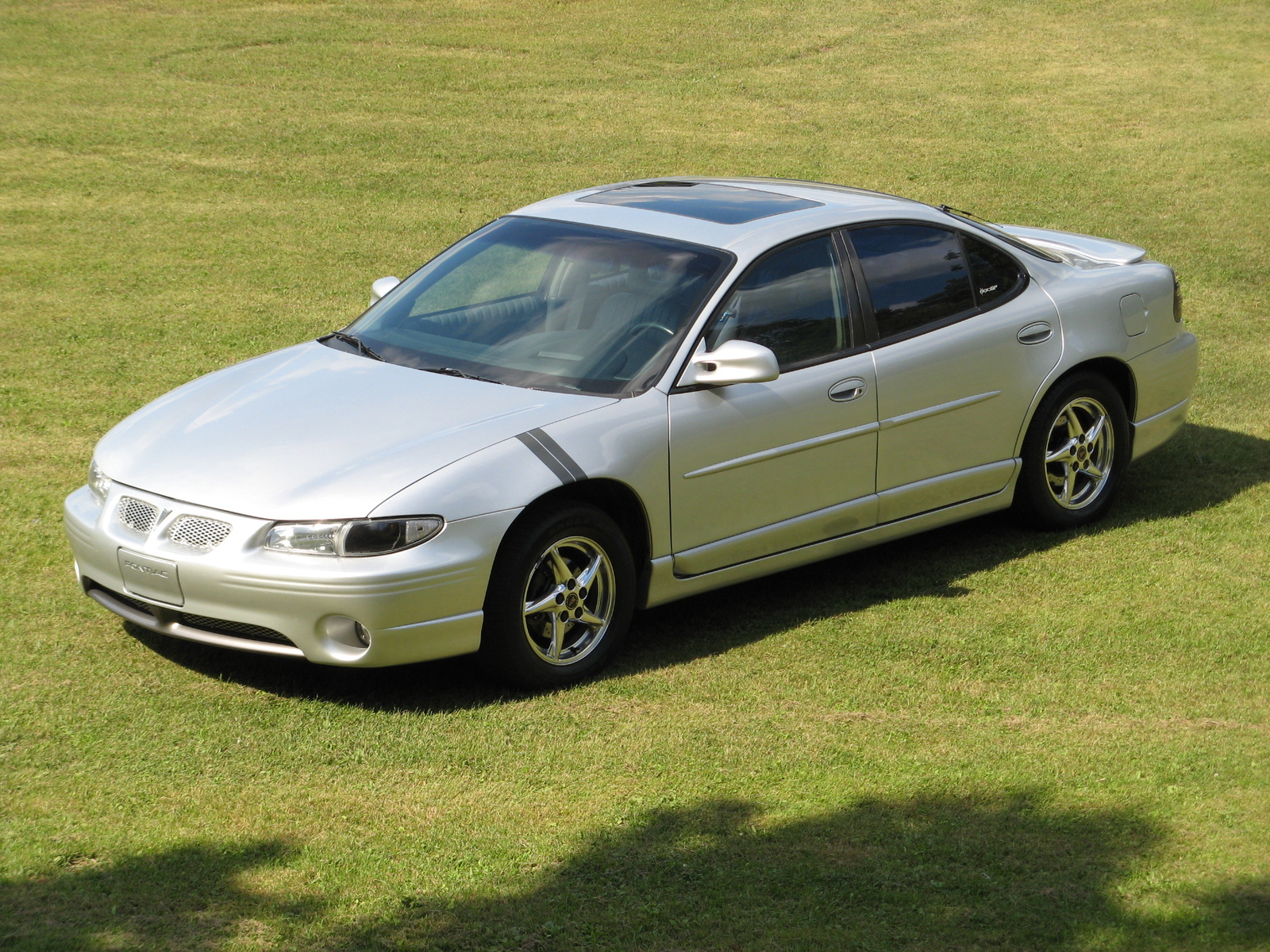 2002 Pontiac Grand Prix GT picture