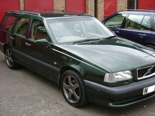 1995 Volvo 850 4 Dr T5R Turbo Wagon picture