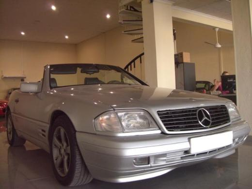 2003 Mercedes Benz Sl500. hair 2003 Mercedes-Benz SL500