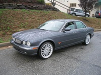 2005 Jaguar XJR 4 Dr Supercharged Sedan picture