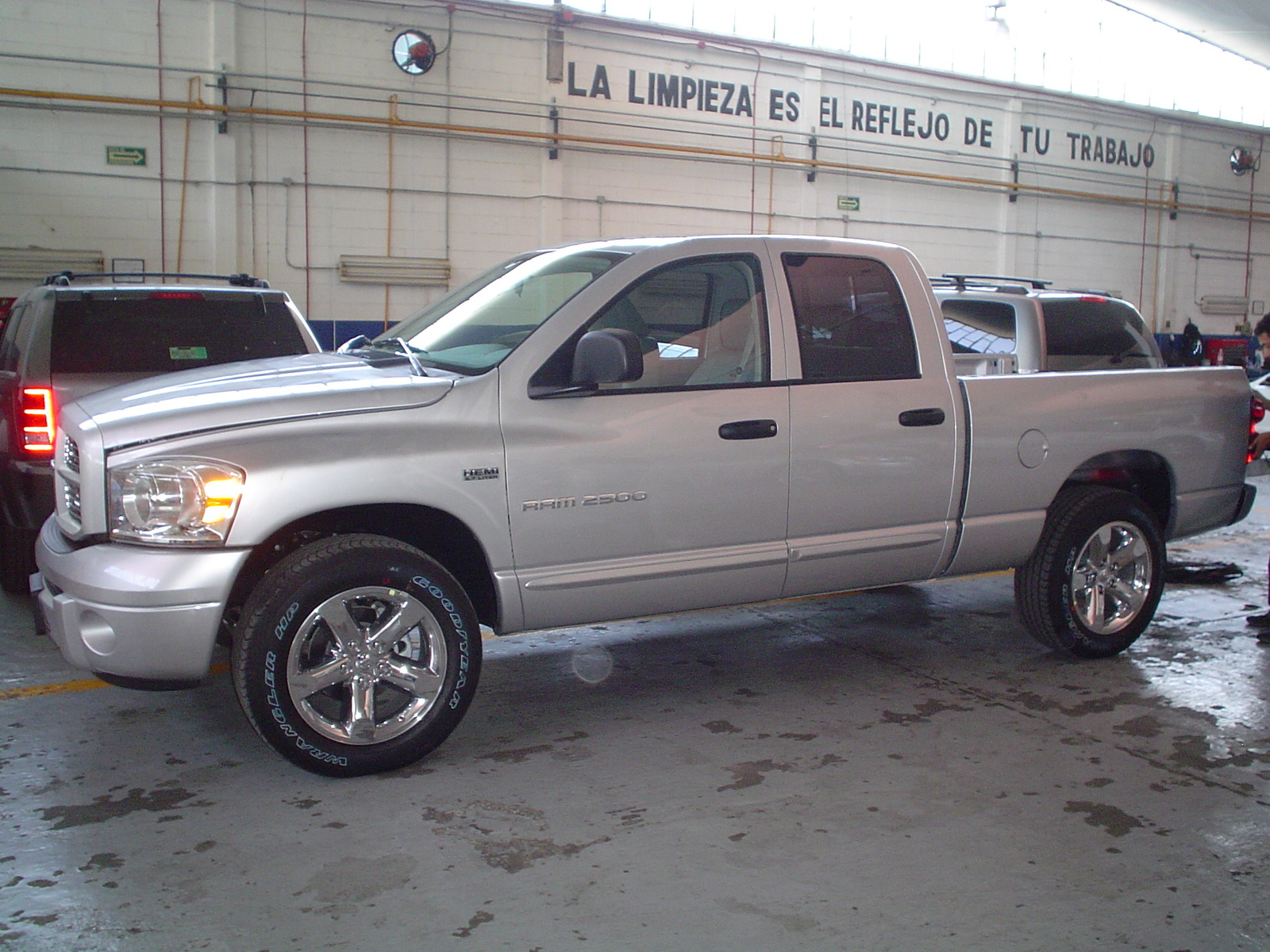 2007 Dodge Ram Pickup 2500 SLT  Quad Cab 2WD picture