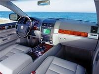 2003 Chrysler Voyager 4 Dr LX Passenger Van picture