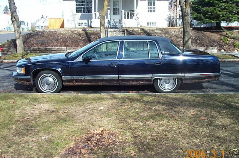 picture of 1993 cadillac fleetwood base sedan. Cars Review. Best American Auto & Cars Review