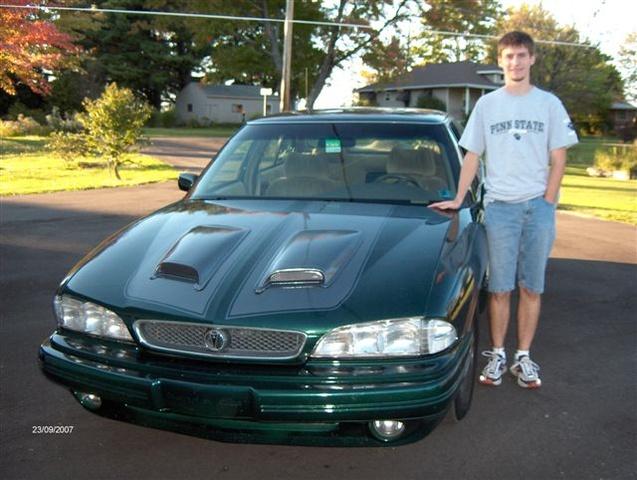 Picture of 1994 Pontiac Bonneville 4 Dr SE Sedan