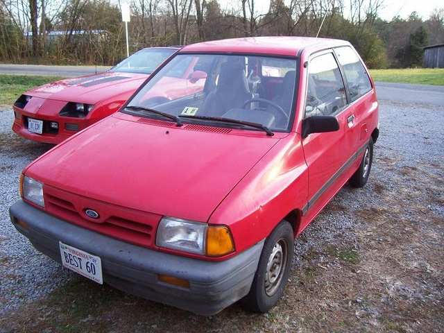 Picture of 1990 Ford Festiva L