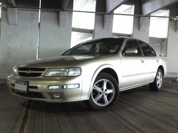 1998 Nissan Maxima 4 Dr SE Sedan picture